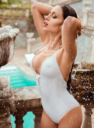 イタリアモデル Corinne Piccolo ヌード画像 1