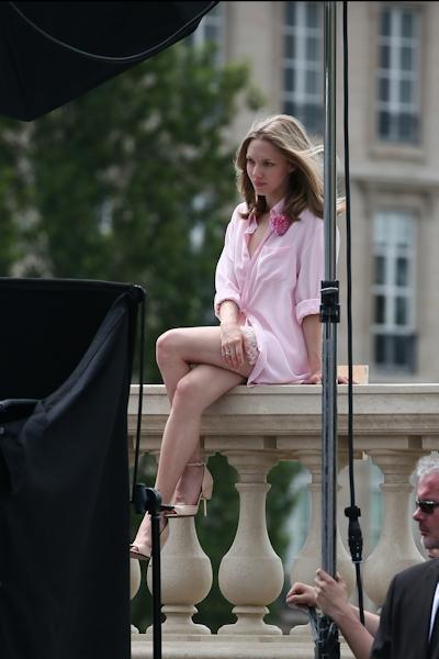 アメリカ女優 Amanda Seyfried(アマンダ・サイフリッド)がパリで撮影中ノーパンでマンコ見えてた 1