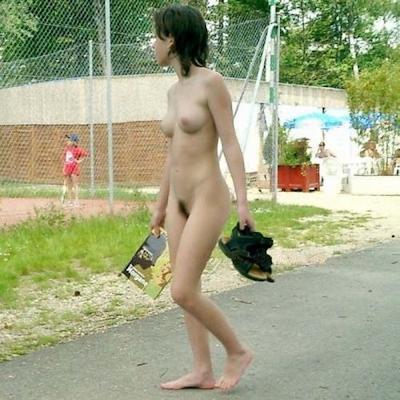 日本の素人女性 野外露出ヌード画像 4