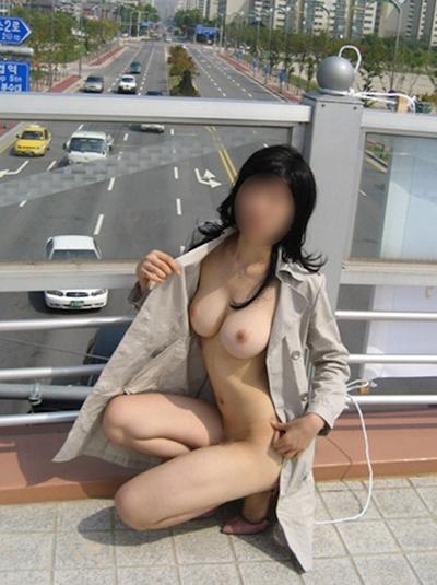 日本の素人女性 野外露出ヌード画像 24