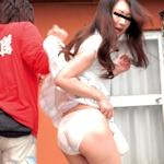 路上で17歳少女の服を脱がせようとした警察官を逮捕