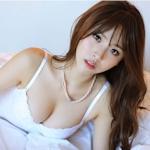 韓国美女モデル Kwon Hyukjeong(クォン・ヒョクチョン) セクシーランジェリー画像