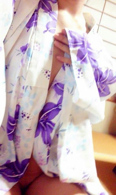 日本美微乳素人女性 自分撮りヌード画像 3