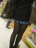 日本の女子高生はスカート短い 8