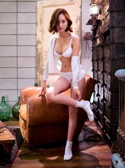 Um Ji Eun ランジェリー画像 5