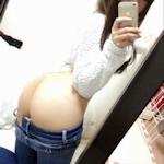 なぜ今の若い娘は鏡に映した恥ずかしい写真を自らネットにアップするのか?