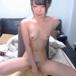 日本の美少女がバイブでオナニーしてるライブチャットの動画
