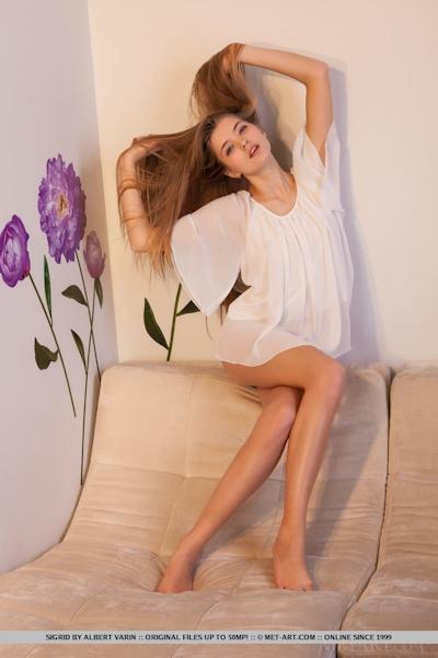 Sigrid Nude 2