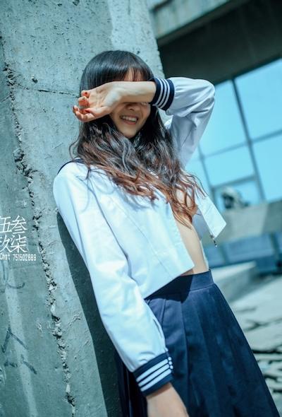 美乳な中国美少女のヌード画像 1