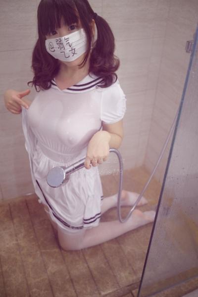 美巨乳な中国素人美少女 弱気乙女(弱气乙女) 自分撮りヌード画像 2