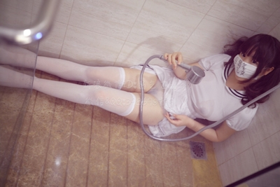 美巨乳な中国素人美少女 弱気乙女(弱气乙女) 自分撮りヌード画像 5
