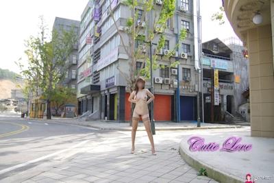 韓国巨乳女性 野外露出ヌード画像 4