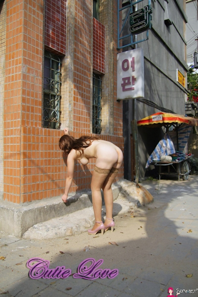 韓国巨乳女性 野外露出ヌード画像 6