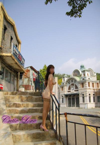 韓国巨乳女性 野外露出ヌード画像 16