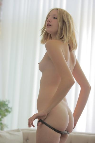 Lena Nude 4
