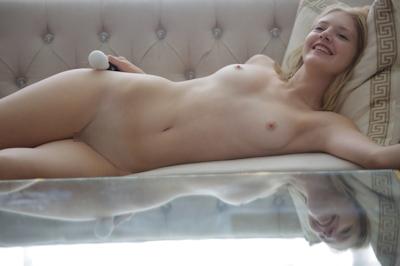 Lena Nude 10