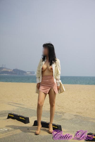 韓国巨乳女性 野外露出ヌード画像 9