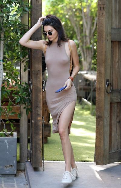 Kendall Jenner(ケンダル・ジェンナー) ノーブラ乳首ポッチ画像 6