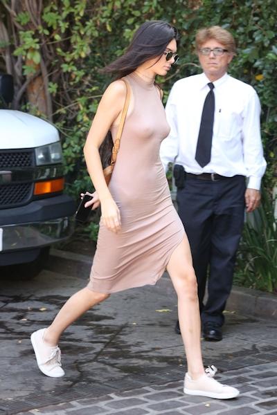 Kendall Jenner(ケンダル・ジェンナー) ノーブラ乳首ポッチ画像 7