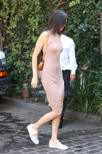 Kendall Jenner(ケンダル・ジェンナー) ノーブラ乳首ポッチ画像 8
