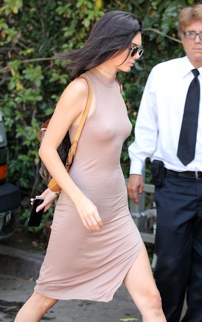 Kendall Jenner(ケンダル・ジェンナー) ノーブラ乳首ポッチ画像 9