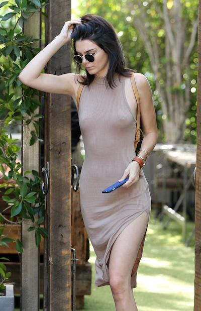 Kendall Jenner(ケンダル・ジェンナー) ノーブラ乳首ポッチ画像 11