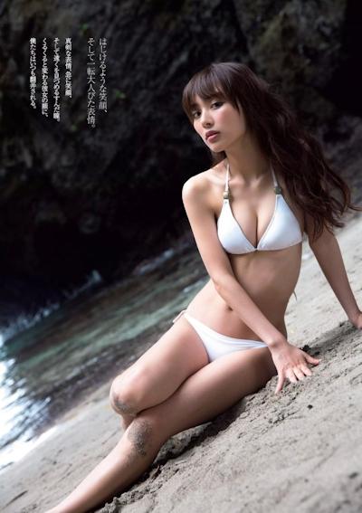 内田理央 ビキニ画像 2