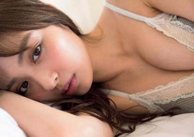内田理央 ビキニ画像 4