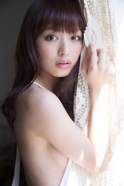 内田理央 ビキニ画像 16
