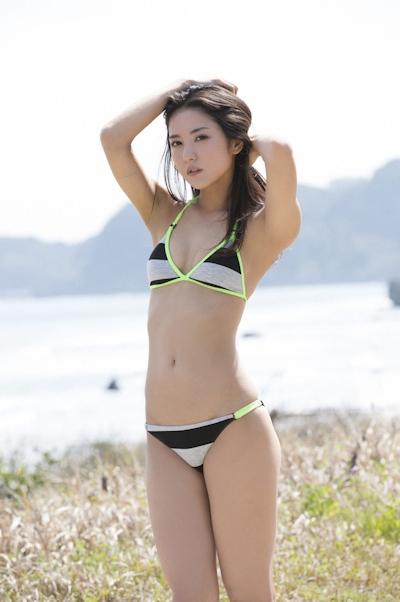 石川恋 ビキニ画像 12