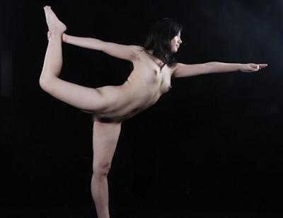 中国美女をモデルに撮影したヌード画像 11