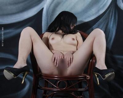 中国美女をモデルに撮影したヌード画像 18