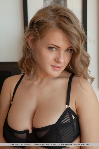Viola Bailey Nude 3
