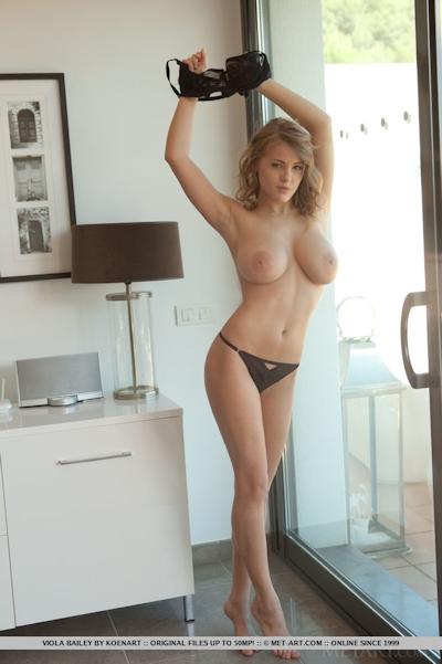 Viola Bailey Nude 4