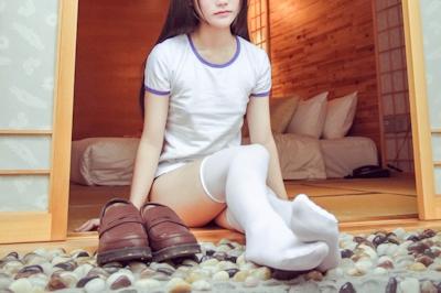 体操服を着たロリ系美少女のヌード画像 1