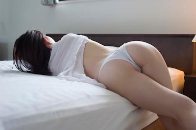 飛鳥りん セクシーヌード&ビキニ画像 7