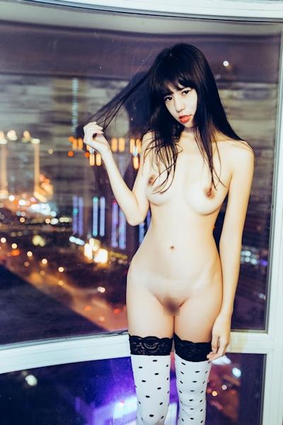 中国美女モデル 艾栗栗(Ailili) セクシーヌード画像 17