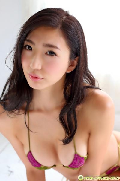 松嶋えいみ ビキニ画像 16