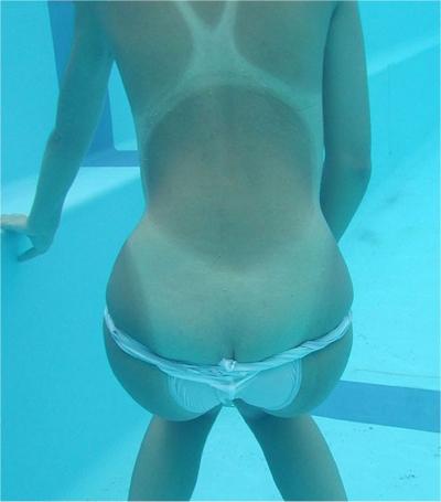 水中で撮影したヌード画像 2