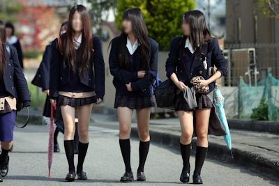 日本のJKのミニスカート画像 5