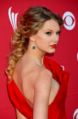Taylor-Swift-280813 (3)