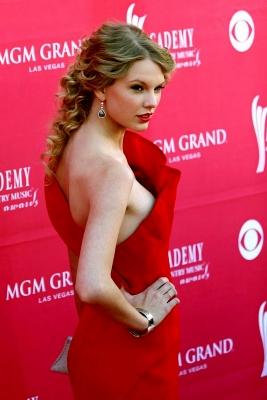 Taylor-Swift-280813 (4)