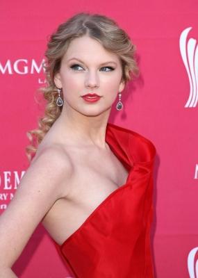 Taylor-Swift-280813 (6)