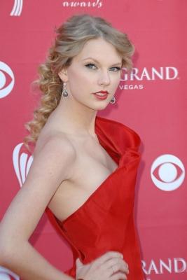 Taylor-Swift-280813 (7)