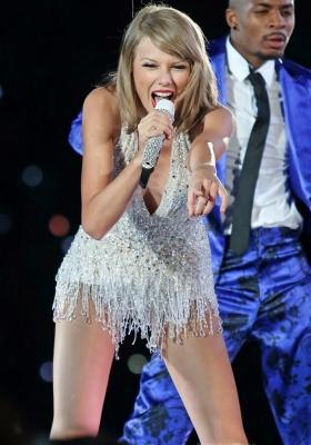 Taylor-Swift-280813 (11)