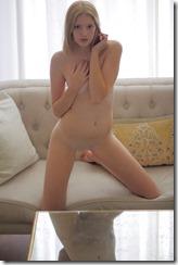 nude-280821 (1)