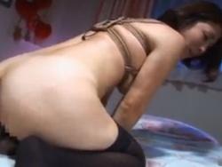 緊縛された熟女がディルドにまたがり腰を振る。フェラさせられ顔射無料アダルト動画 TokyoTube(3)