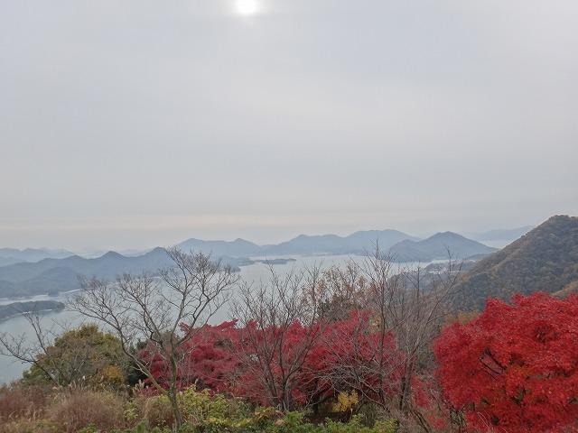 s-10:51筆景山