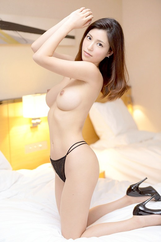 水嶋杏樹27歳の美人会計士のハメ撮り