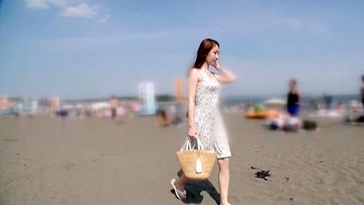 海ナンパで美人OLとハメ撮り 07